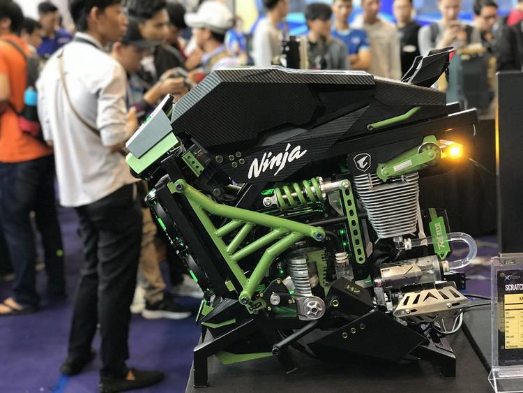 Dàn PC được độ theo phong các Kawasaki Ninja hoành tráng.