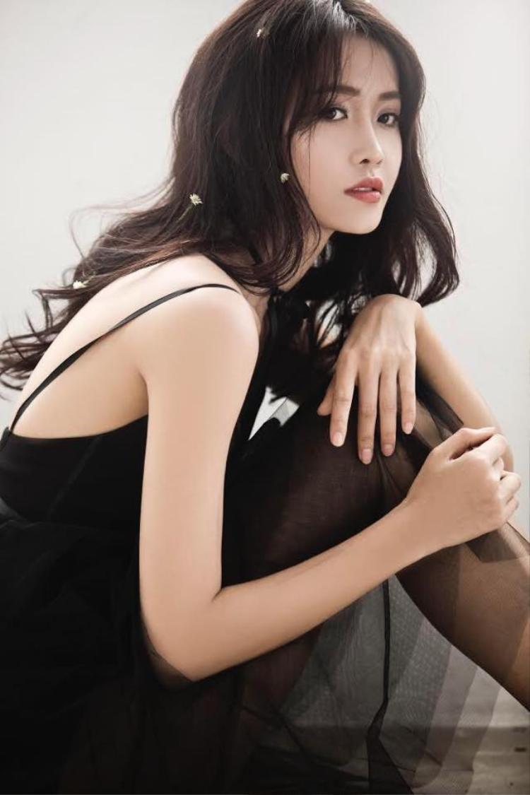 Cô được đông đảo khán giả biết đến khi tham gia và đoạt danh hiệu Á quân ở chương trình The Face - Gương mặt thương hiệu mùa 2.