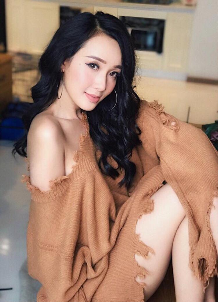 Daisy Ngô từng lọt cao trong những cuộc thi dành cho sinh viên. Hiện, cô là người mẫu tự do.