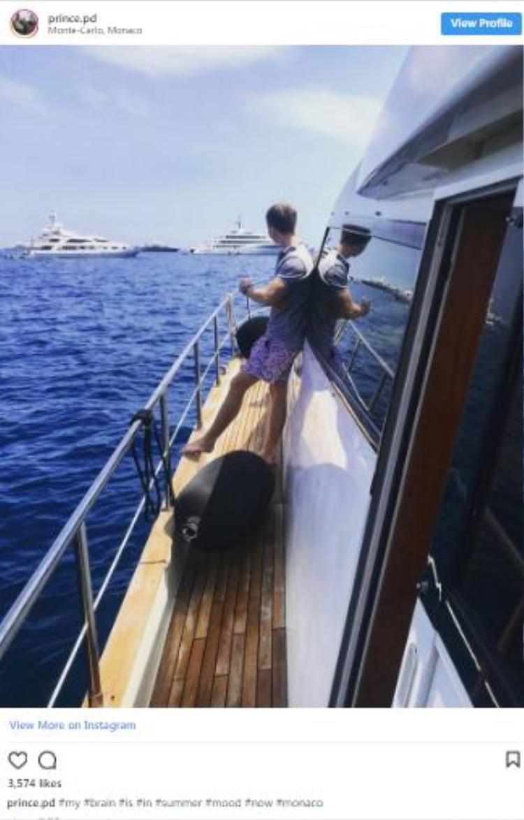 Hay trên những chiếc du thuyền sang trọng tại cảng Monte Carlo.