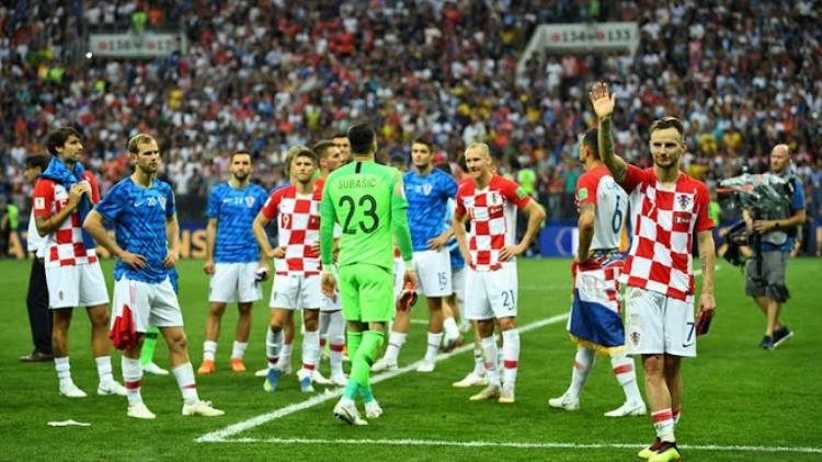 Trái ngược với ĐT Pháp, các cầu thủ Croatia tỏ ra thất vọng sau thất bại tại trận chung kết World Cup 2018. Ảnh: Reuters.