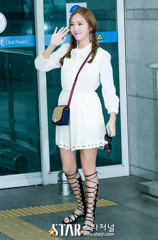 Gu thời trang tinh tế và sành điệu của cô nàng được báo chí ca ngợi hết lời.
