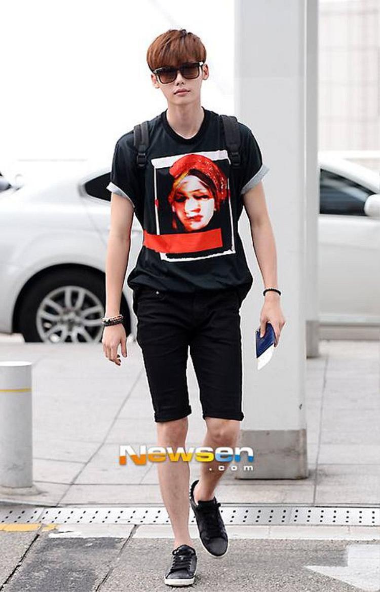 Lee Jong Suk diện đúng điệu mà không chói lóa.