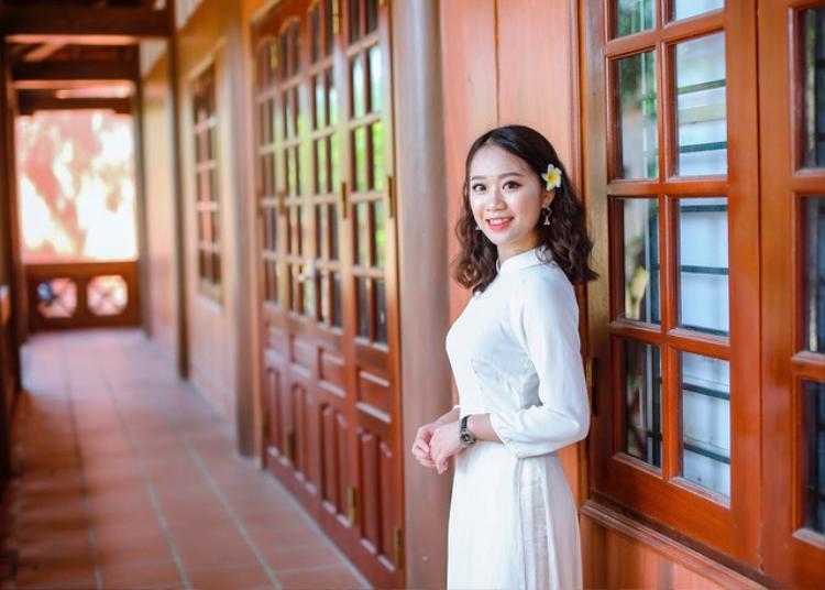 Nữ sinh dân tộc Thái xinh đẹp, học giỏi.