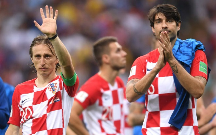 Modric đã chiến đấu vì màu cờ sắc áo đến những giây phút cuối cùng. Ảnh: Fifa.com.
