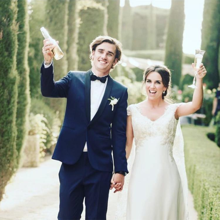 Đám cưới bí mật của cặp đôi diễn ra vào tháng 6/2017.