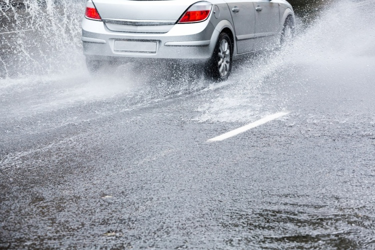 Sau khi đi mưa, đây là 6 bộ phận trên ô tô bạn nên kiểm tra ngay lập tức