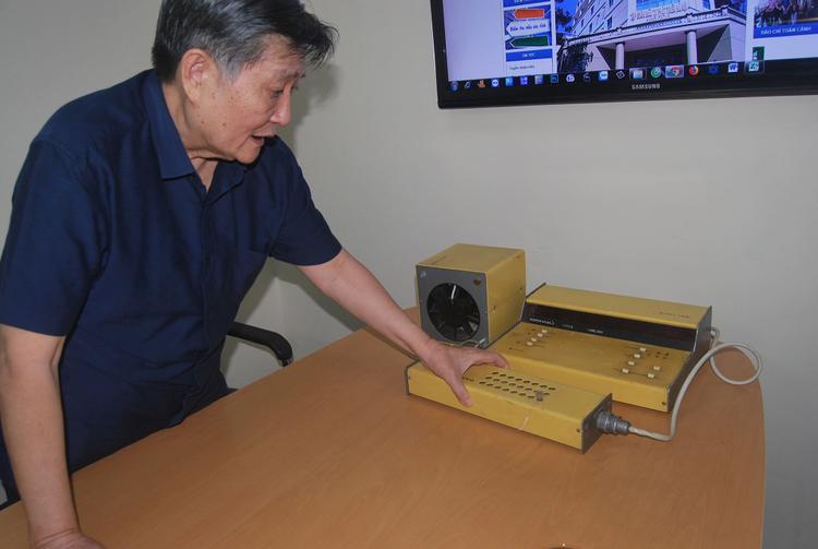 GS Lương giải thích về chiếc máy phân tích ADN ông mua tại Nga.