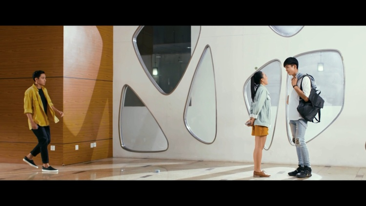 Trúc Nhân tung MV vào vai đa nhân cách với sự xuất hiện đặc biệt vỏn vẹn 30 giây