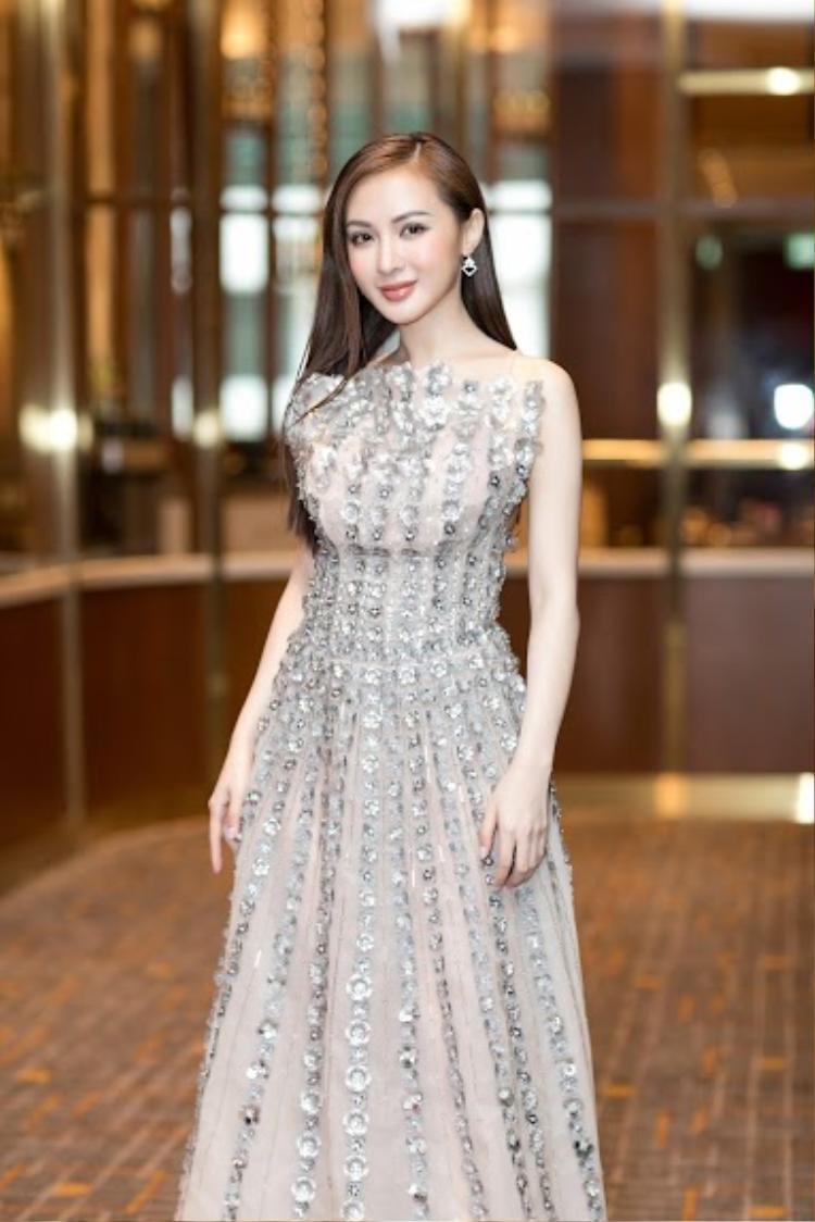 Hé lộ danh tính bạn trai doanh nhân thường đưa Kelly Nguyễn sang Hàn Quốc tân trang nhan sắc