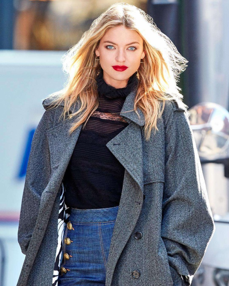 Cô nàng thiên thần xinh đẹp Martha Hunt sẽ góp mặt trong ca khúc mới của Miley?