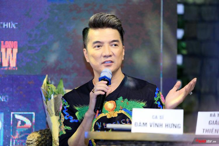 Đàm Vĩnh Hưng tại sự kiện họp báo ra mắt dự án liveshow âm nhạc mới ở Hà Nội.