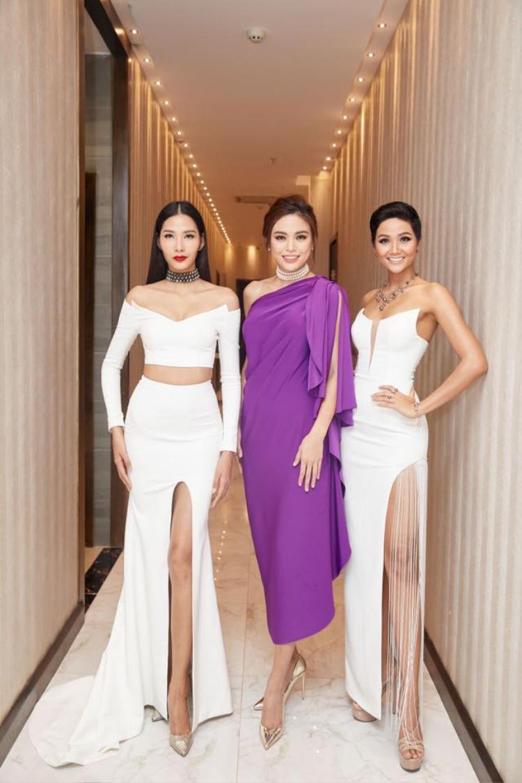 H'Hen Niê, Hoàng Thùy, Mâu Thủy ngày càng xinh đẹp sau khi kết thúc cuộc thi.Cả ba đều đang chuẩn bị để chinh chiến những cuộc thi sắc đẹp quốc tế.
