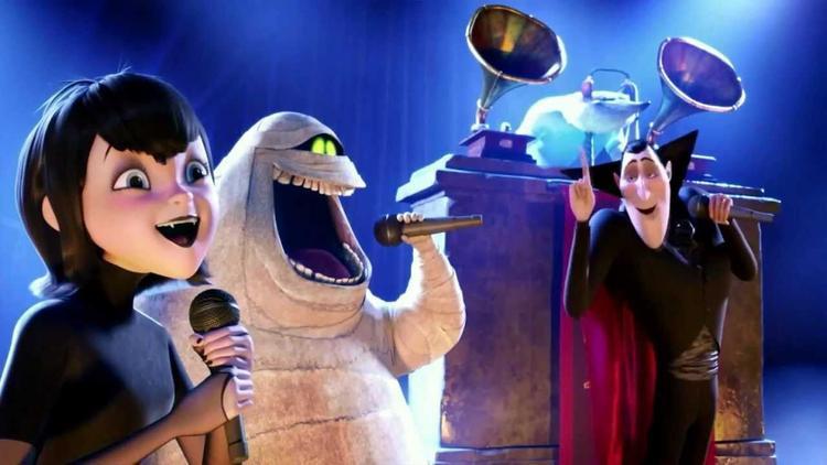 Từ các phần phim trước, khán giả đã luôn bất ngờ với mức độ bắt trend âm nhạc và chịu chơi của ekip Hotel Transylvania.