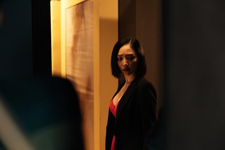"""MV #CATENA không chỉ khiến khán giả """"xiêu lòng"""" vì hình ảnh vô cùng ngọt ngào của Tóc Tiên mà còn sở hữu những yếu tố đáng giá từ phần nghe đến phần nhìn."""
