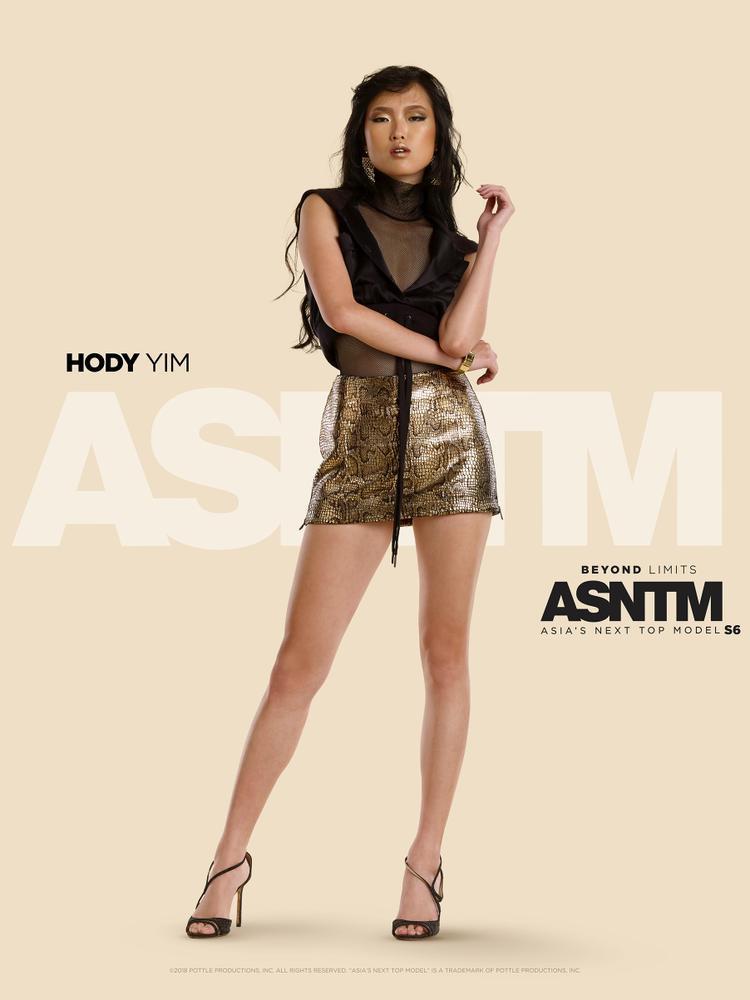 Hody Yim, 24 tuổi: Sau khi mất đi những người thân nhất trong gia đình, Hody tự mình vượt qua nỗi đau và theo đuổi sự nghiệp người mẫu. Tuy vẫn là một gương mặt tương đối mới trong nghề nhưng những kỹ năng sẽ giúp cô chứng minh được bản thân mình. Với tính cách tích cực và đáng mến, Hody có thể trở thành bạn thân thiết của các cô gái trong nhà chung.