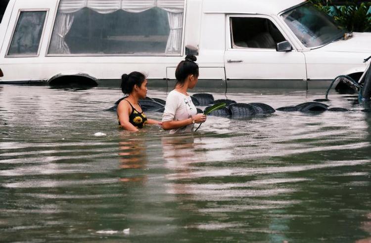 Cục quản lý Thiên Văn, Địa vật lý và Khí quyển Philippines (PAGASA) cho biết, ngoài thành phố Manila, lũ lụt còn có thể đe dọa một số vùng khác như Ilocos, Cordillera, Cagayan Valley, Zambales và Bataan. Ảnh: Reuters