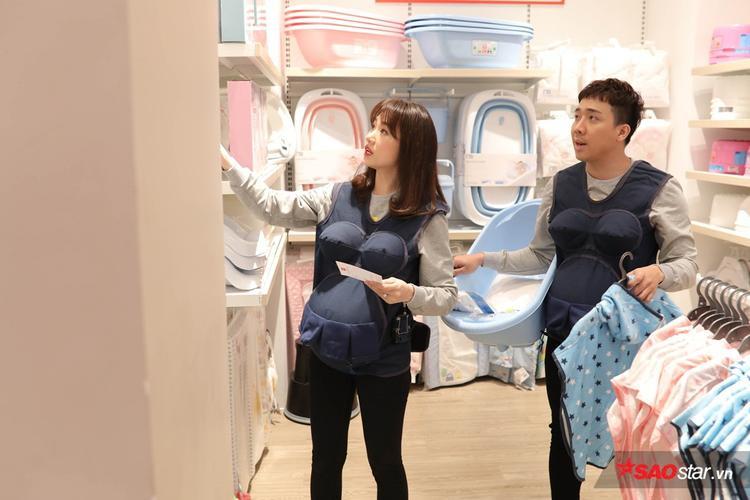 Chỉ thiếu một lọ sữa tắm, Trấn Thành thay mặt Hari Won tuyên bố: Cuộc đời chúng tôi tuột dốc