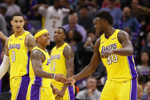 8. Los Angeles Lakers: 3,3 tỷ USD - Bóng rổ (Mỹ).
