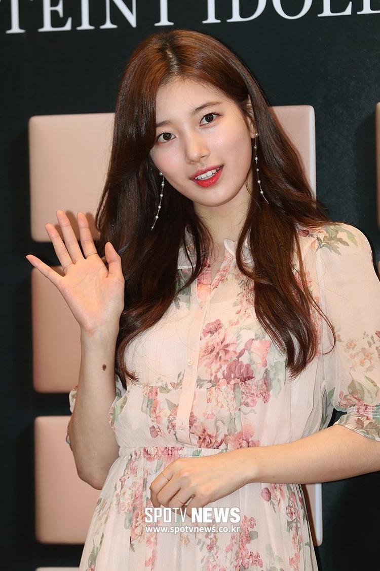 Tái xuất lần đầu tiên sau khi chia tay Lee Dong Wook, Suzy đẹp hết phần thiên hạ khiến fan đứng ngồi không yên