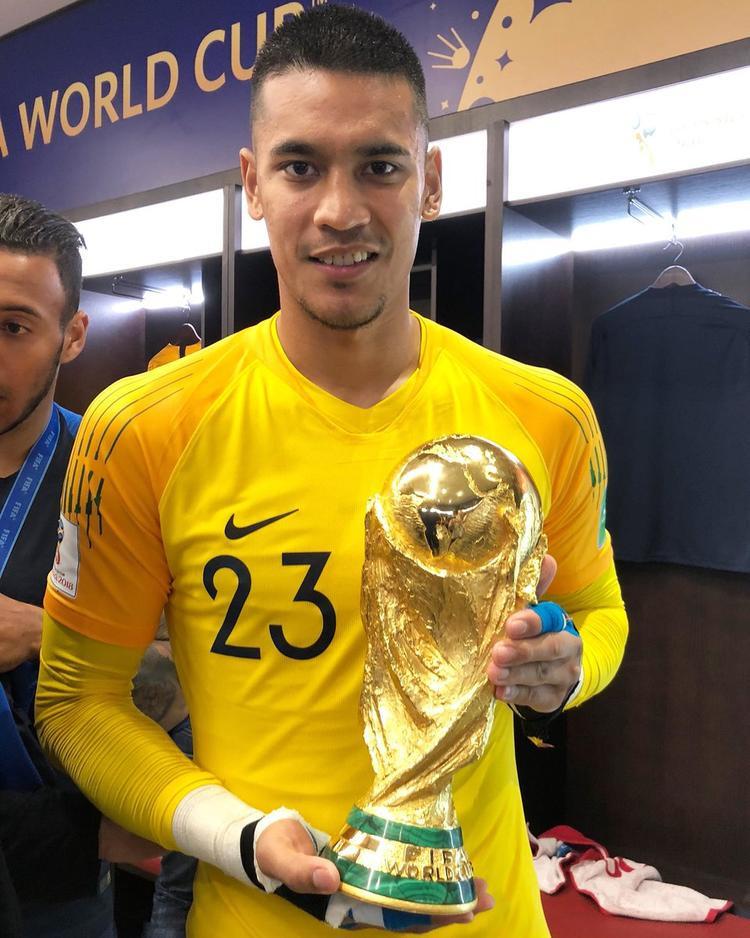 Thủ môn Alphonse Areola có thể chơi ở AFF Cup 2018.