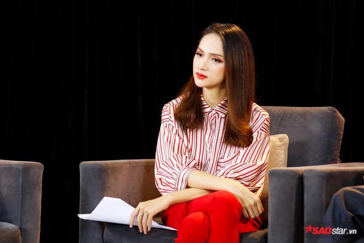 Hương Giang xuất hiện rạng rỡ trong tập đầu tiên của talkshow Just Love