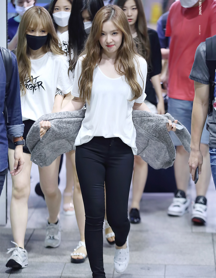 Hình ảnh Irene tại sân bay.