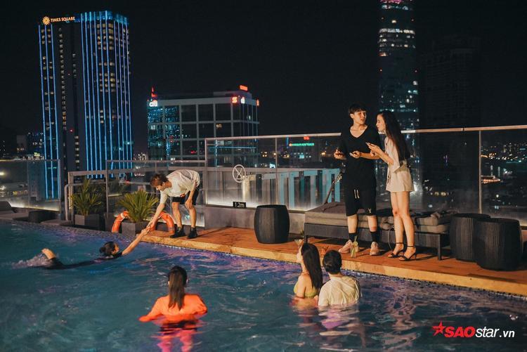 Cặp đôi nhan sắc Avin - Y Lux không chỉ ăn ý trên sân khấu, mà còn ở… hồ bơi như thế này!