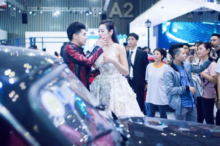 Người tình một thuở Noo Phước Thịnh xuất hiện cực bảnh bao mừng hôn lễ Á hậu Tú Anh