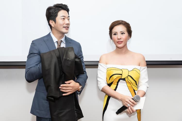 Hoa hậu Thu Hoài tặng quà đặc biệt cho mỹ nam Nấc thang lên thiên đường Kwon Sang Woo