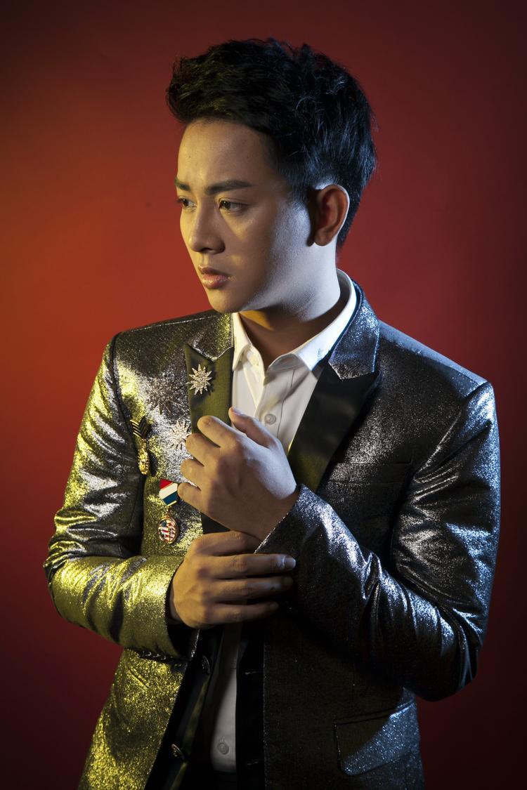 """Xin lỗi vì đã yêu nhau là sáng tác mới của nhạc sĩ Nguyễn Minh Cường - người được coi là """"cha đẻ"""" của các ca khúc ballad ăn khách."""