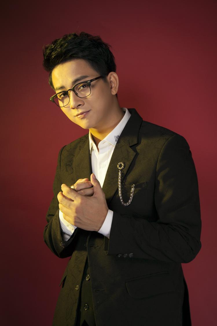 Hoài Lâm tin rằng câu chuyện trong bài hát sẽ nhận được nhiều sự đồng cảm của các khán giả trẻ - những người đang yêu và đã từng yêu.