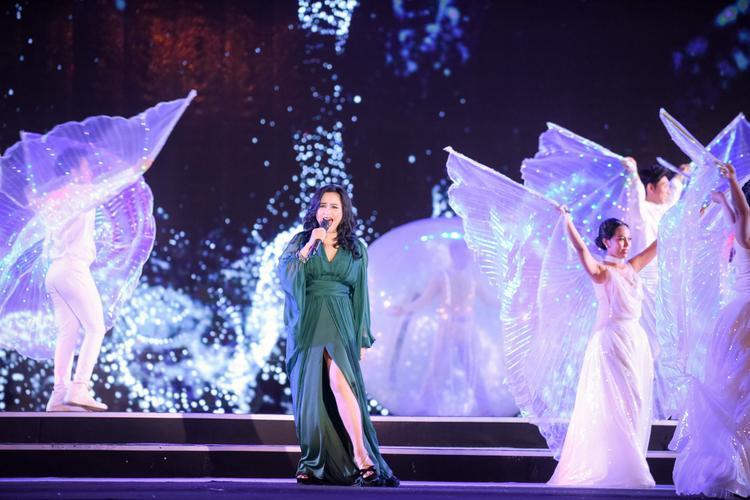 NSƯT Thanh Lam mang đến cho khán giả màn trình diễn đỉnh cao tại đêm Chung khảo.