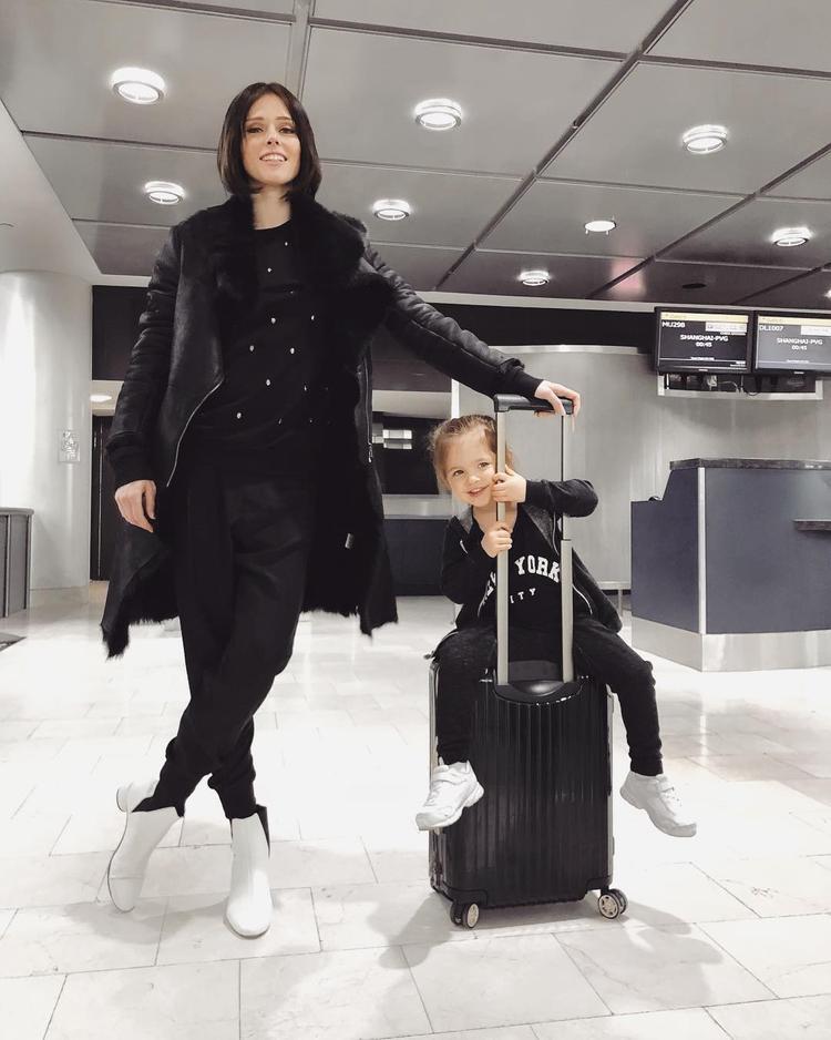 Ngất lịm trước vẻ siêu đáng yêu của fashionista nhí nhà siêu mẫu Coco Rocha