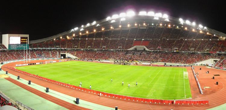 Hoặc sân vận động Quốc gia Rajamangala tại Bangkok, nơi mà khán giả Việt Nam có thể đi qua quá sức dễ dàng…