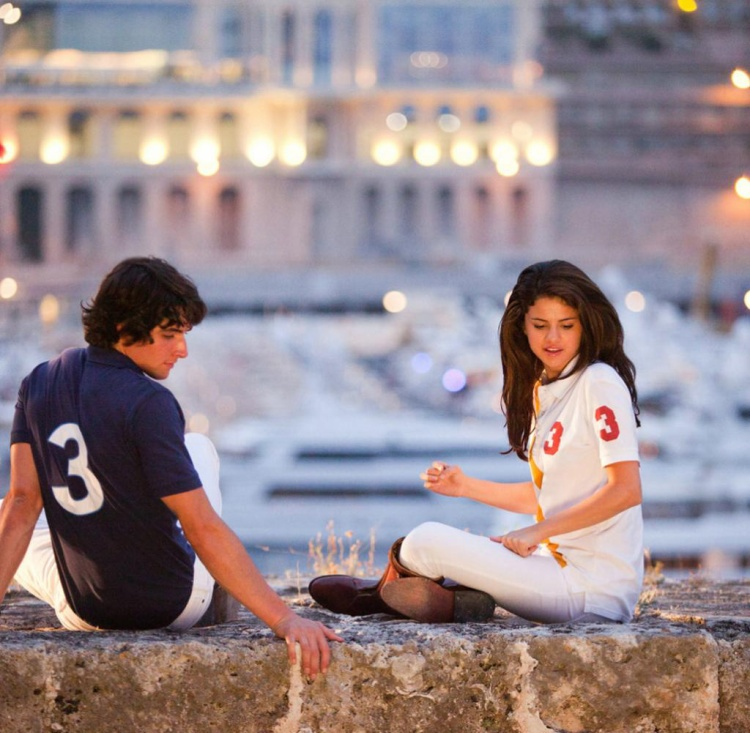 Monte Carlo là một trong những bộ phim của Selena được đánh giá cao nhất vì tài diễn xuất linh hoạt khi hóa thân cả 2 nhân vật có tính cách khác nhau trong phim.
