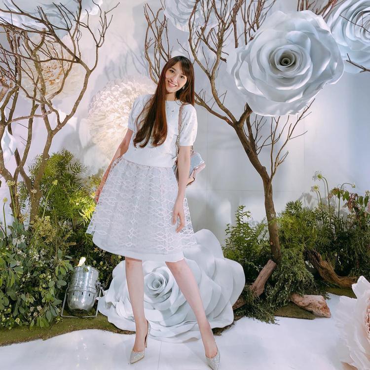 """Chân dài Đài LoanNgô Bội Từcó đôi chân dài vào hàng """"quý hiếm"""". Cô cao 1m70 nhưng sở hữu đôi chân dài 113cm."""