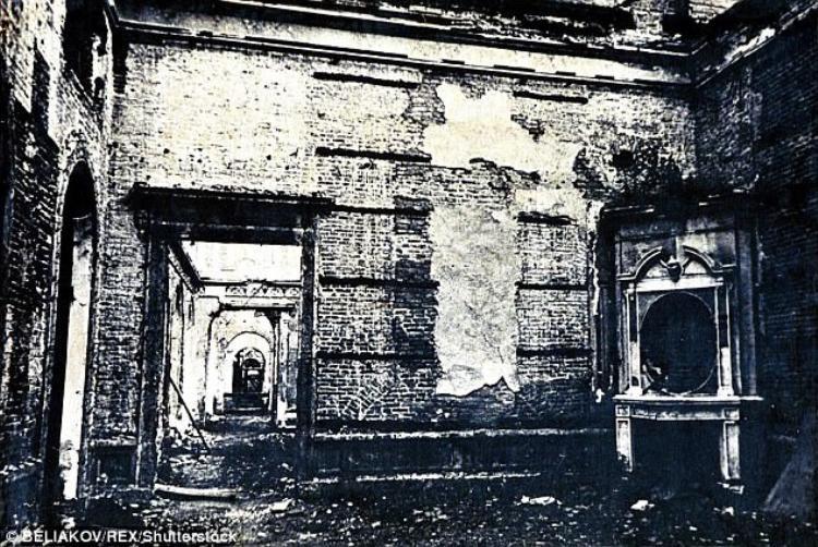 Căn phòng sau khi bị Đức Quốc xã tháo dỡ. Ảnh: REX