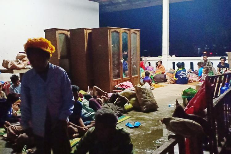 Chính quyền địa phương đã lập nhiều điểm tạm cư ngay trong ngày 24/7 để hỗ trợ người dân. Ảnh: Attapeu Today.