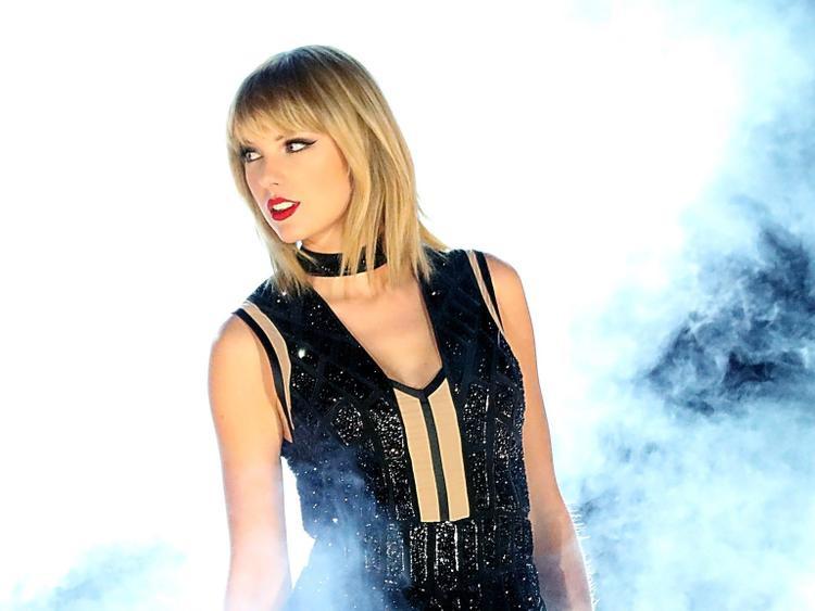 Ra mắt chưa bao lâu thì Taylor Swift đã vướng phải vụ lùm xùm lấy cắp tên thương hiệu.