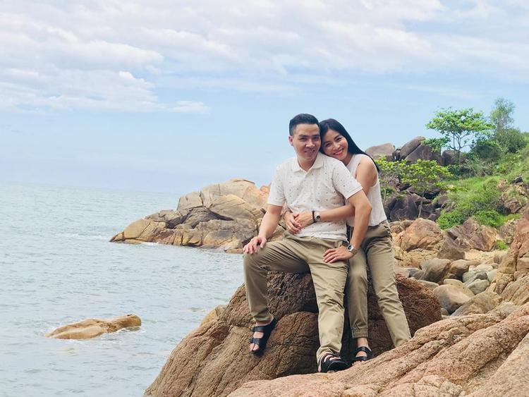 MC Hoàng Linh của Chúng tôi là chiến sĩ đã đăng ký kết hôn cùng bạn trai soái ca?