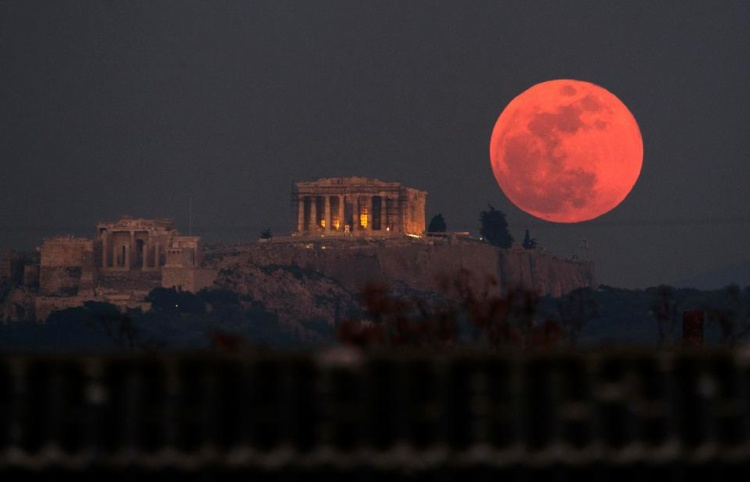 Đêm 27/7, Mặt trăng máu sẽ xuất hiện phía trên sao Hỏa.
