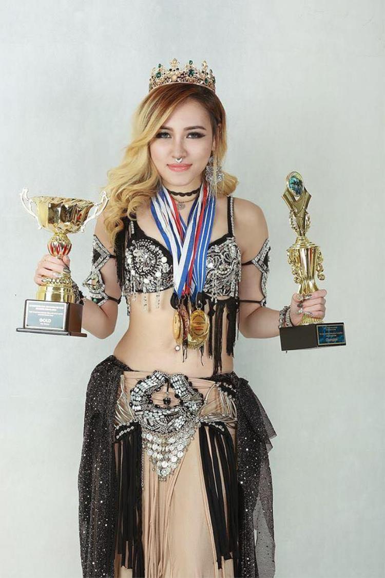 Minh Phượng từng giành nhiều giải thưởng trong nghệ thuật múa bụng