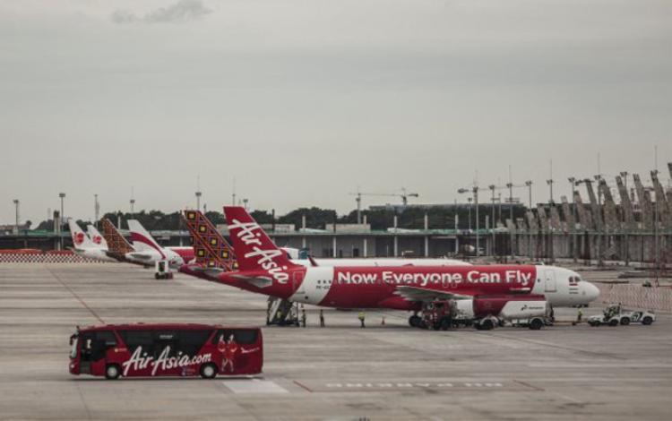 Hãng hàng không AirAsia phát hiện thấy thi thể trẻ sơ sinh trong nhà vệ sinh trước khi máy bay hạ cánh.