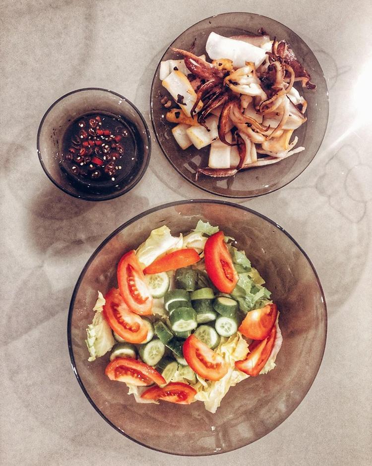 Theo Lan Khuê, đây là thực đơn dành cho những người vừa muốn ăn khuya lại vừa ko muốn mập.