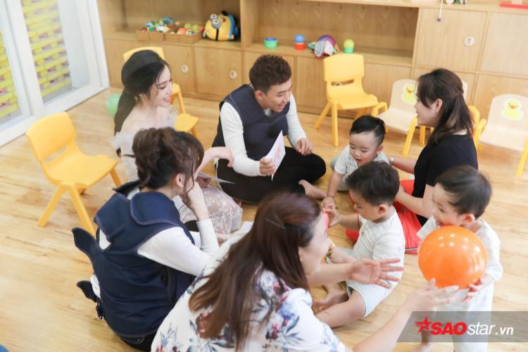 May mắn cũng mỉm cười, các bé ở đội Trấn Thành - Hari Won cũng trả lời đúng gần như tuyệt đối tên các con vật đưa ra.