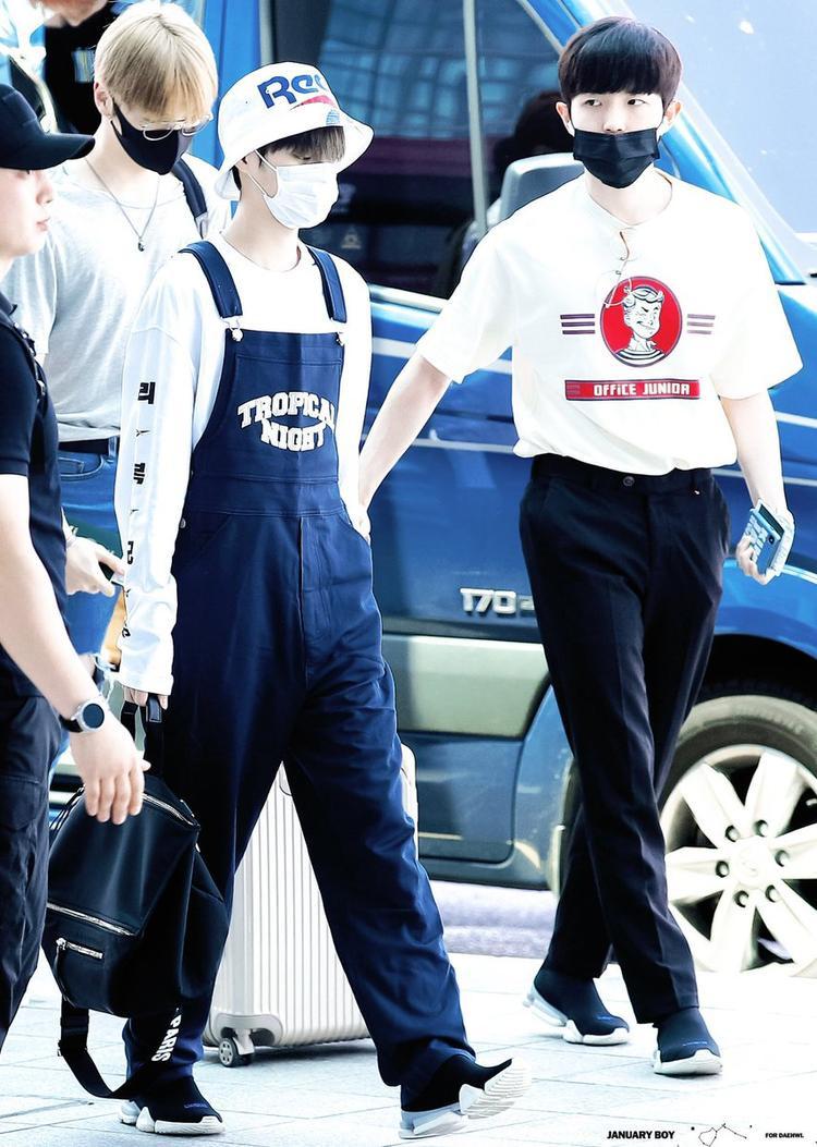 Wanna One tới Hong Kong: Fan cuồng thuê gần 10 chiếc xe bám đuôi, đi ăn cũng chẳng yên ổn