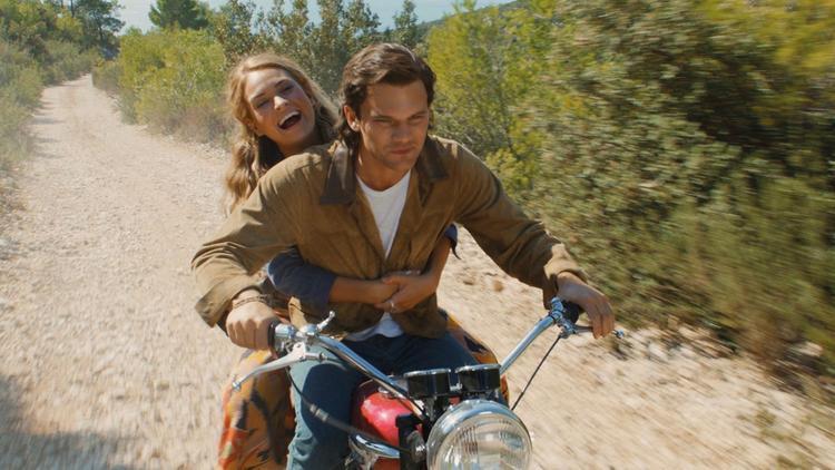 """Donna sẵn sàng """"dừng chân"""" khi tìm thấy tình yêu của đời mình là Sam."""