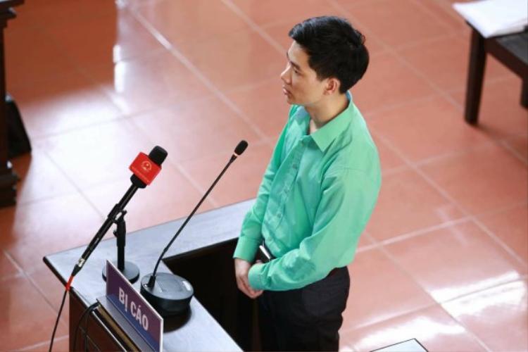 Bác sĩ Lương tại phiên tòa trước đó.