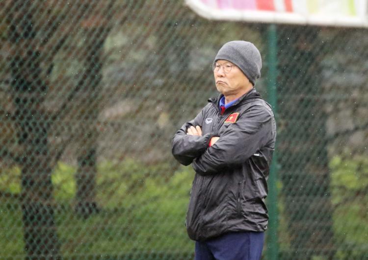 Thầy Park đau đầu vì có nhiều cầu thủ giỏi.